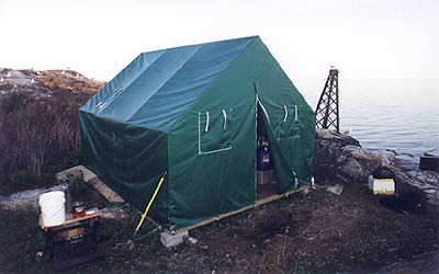 Special wind resistant tent